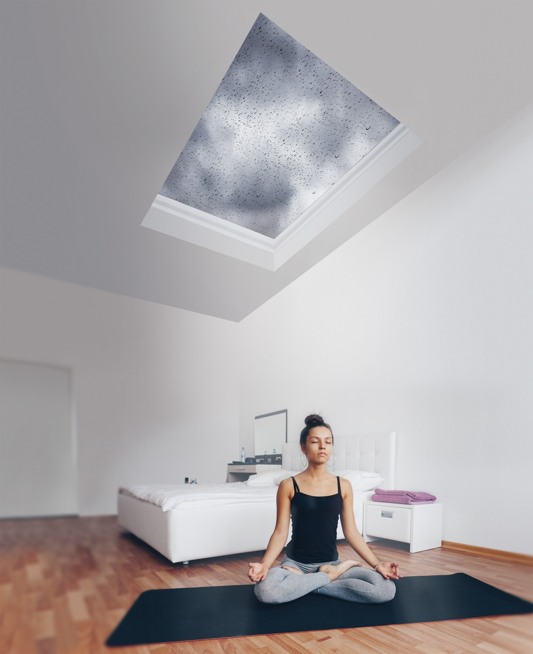 Okno FAKRO do płaskiego dachu wnętrze pokoju